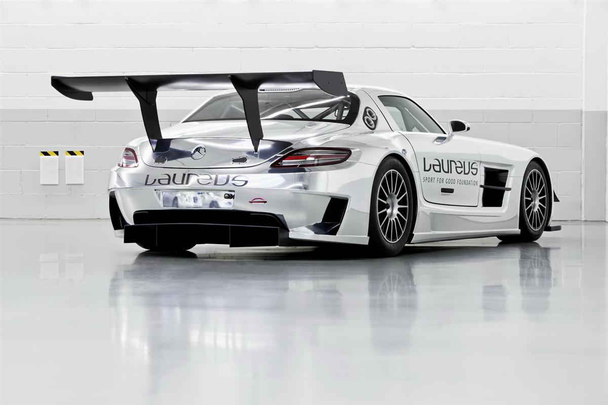 2010_mercedes_benz_sls_amg_gt3_race_car_015