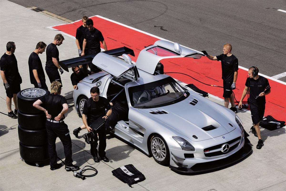 2010_mercedes_benz_sls_amg_gt3_race_car_018