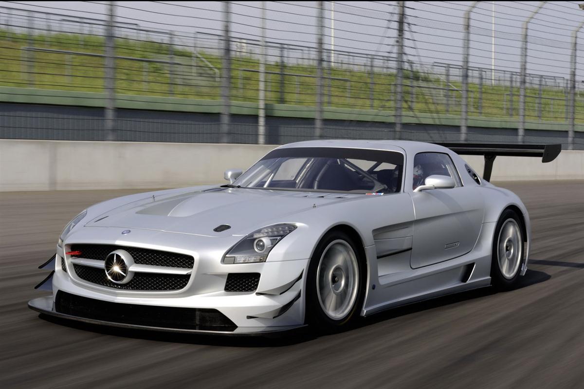 2010_mercedes_benz_sls_amg_gt3_race_car_011
