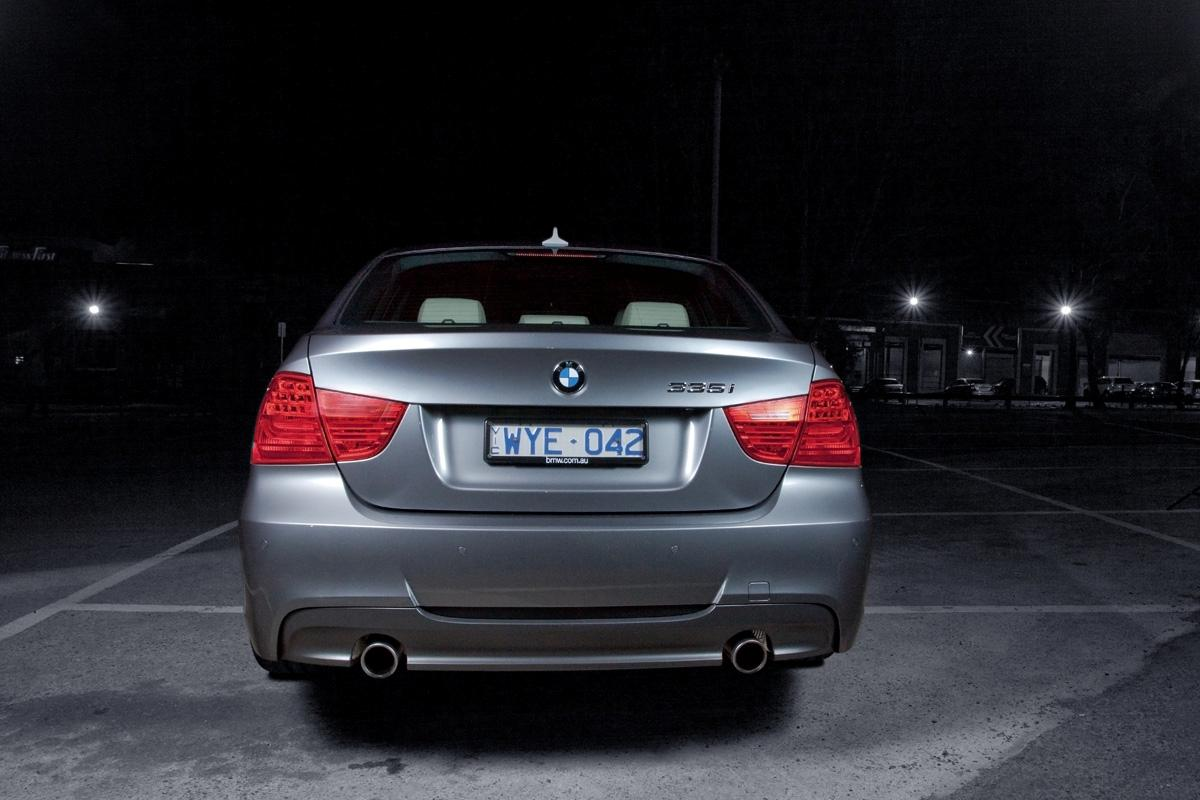 2009_bmw-335i_with_m-sport-package_road-test-review_02.jpg