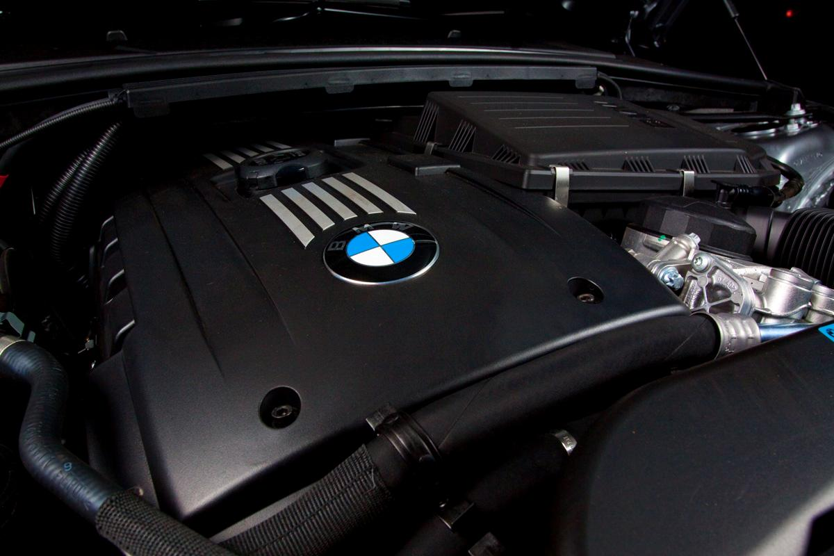 2009_bmw-335i_with_m-sport-package_road-test-review_12.jpg