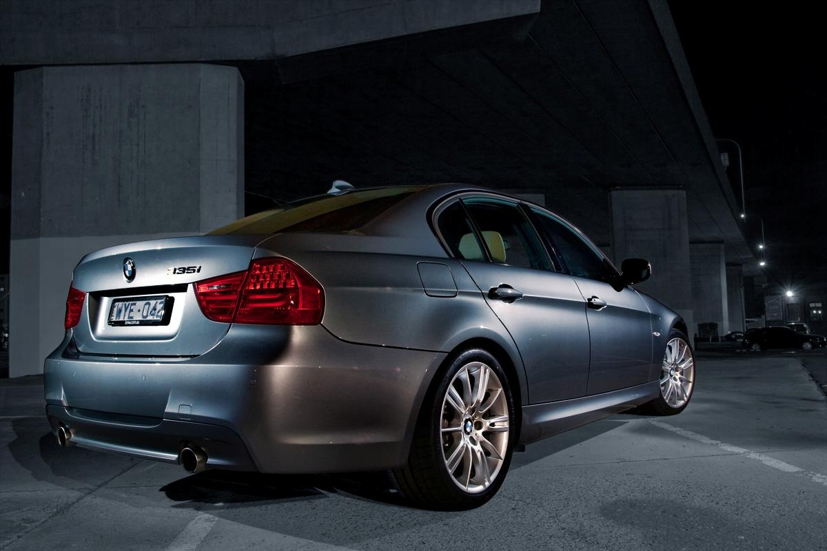 2009_bmw-335i_with_m-sport-package_road-test-review_04.jpg