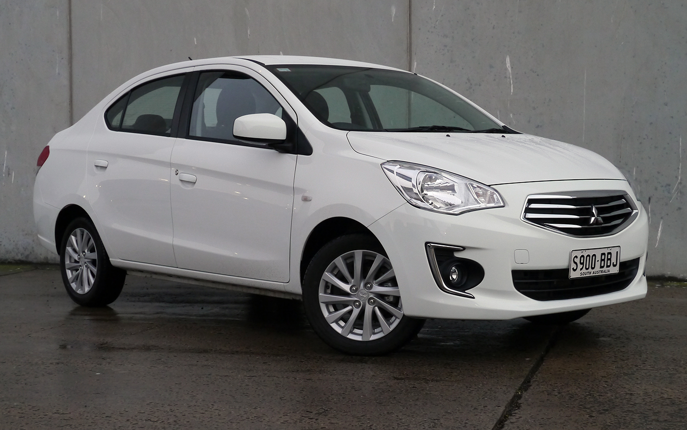2014 Mitsubishi Mirage ES Sedan CVT Review