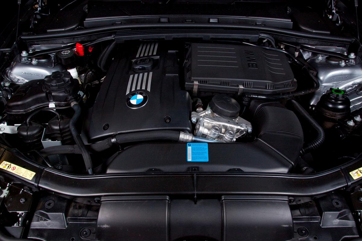 2009_bmw-335i_with_m-sport-package_road-test-review_11.jpg