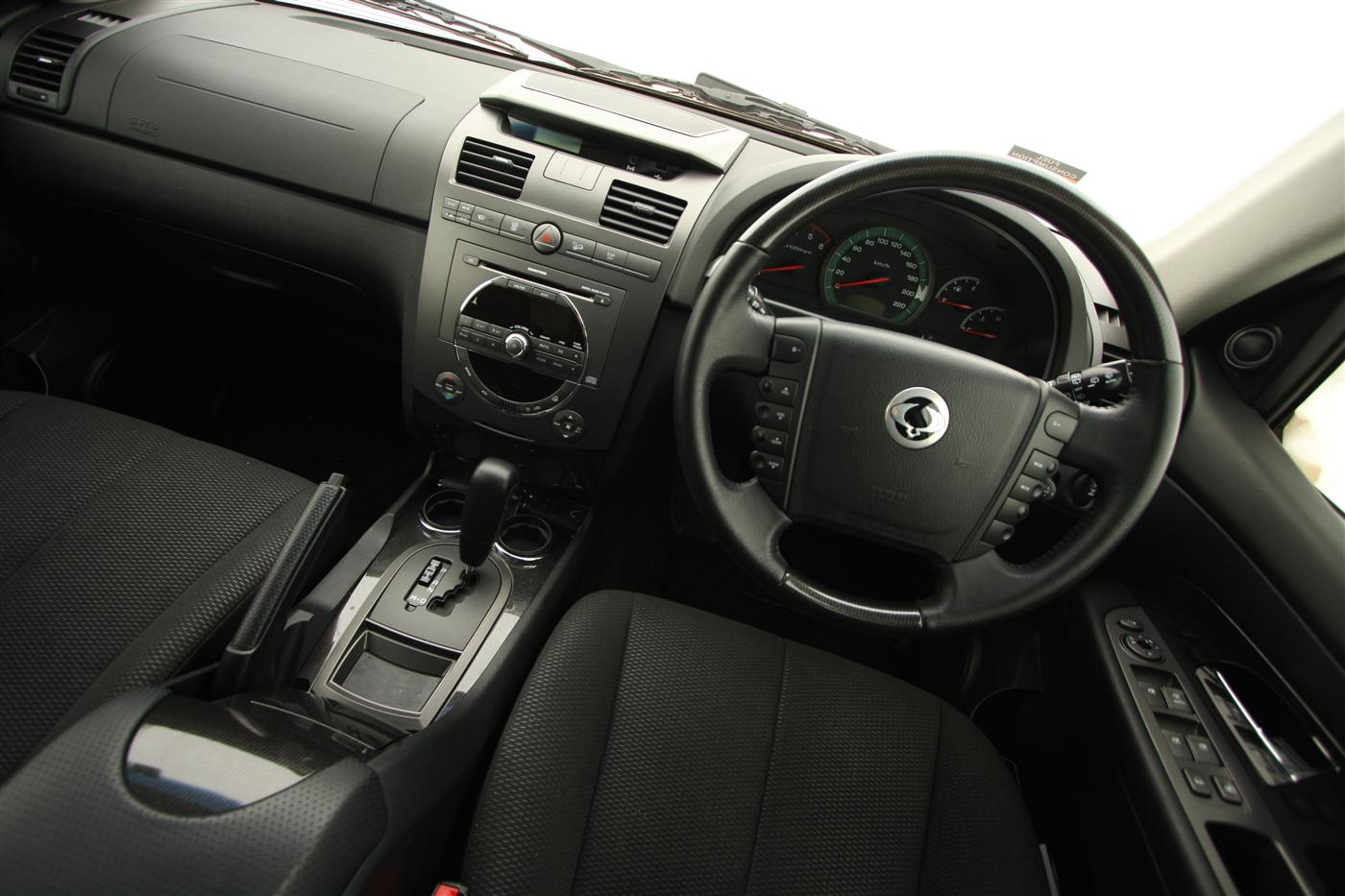2011_ssangyong_rexton_road_test_review_08