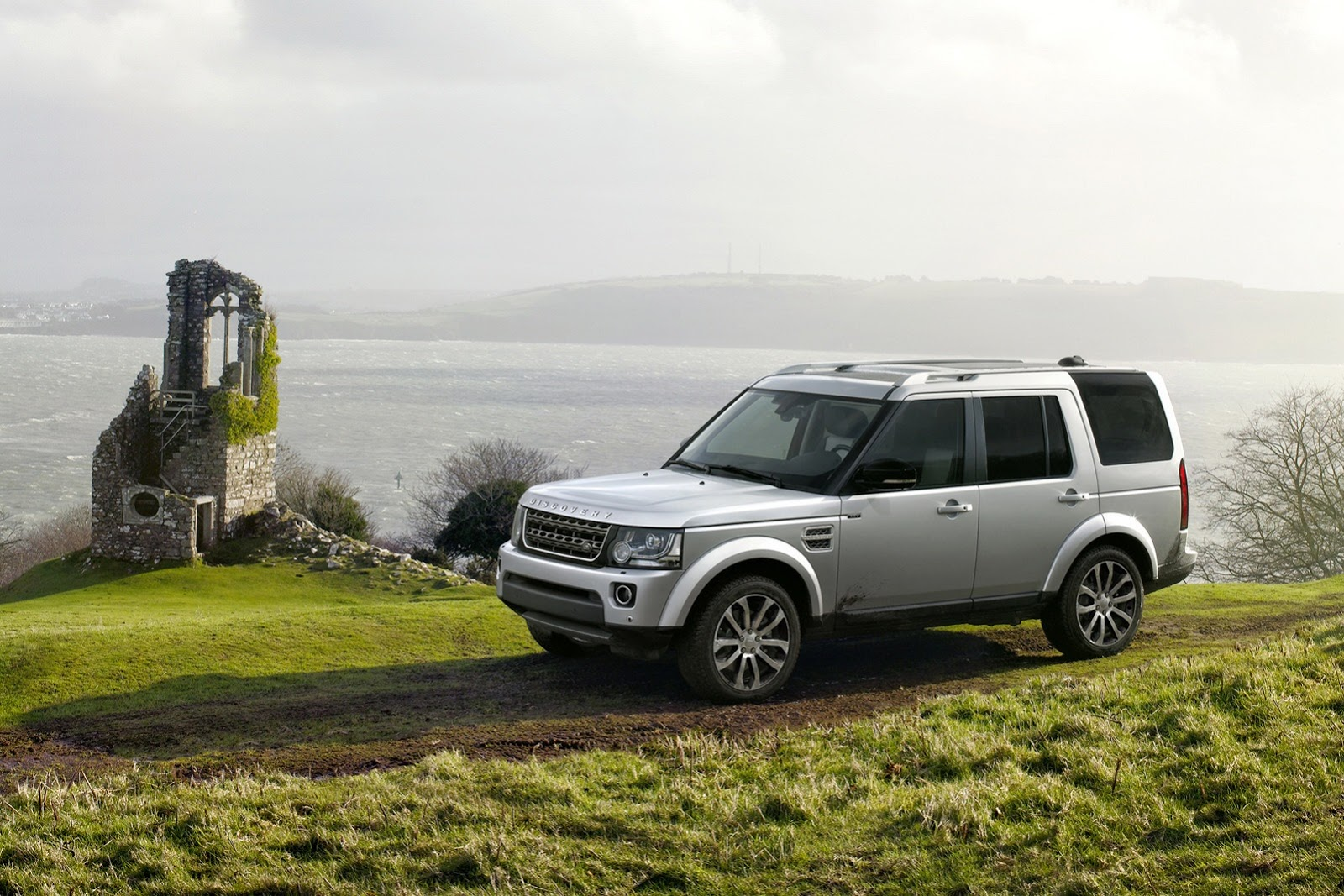 2014_land_rover_discovery_xxv_special_edition_01