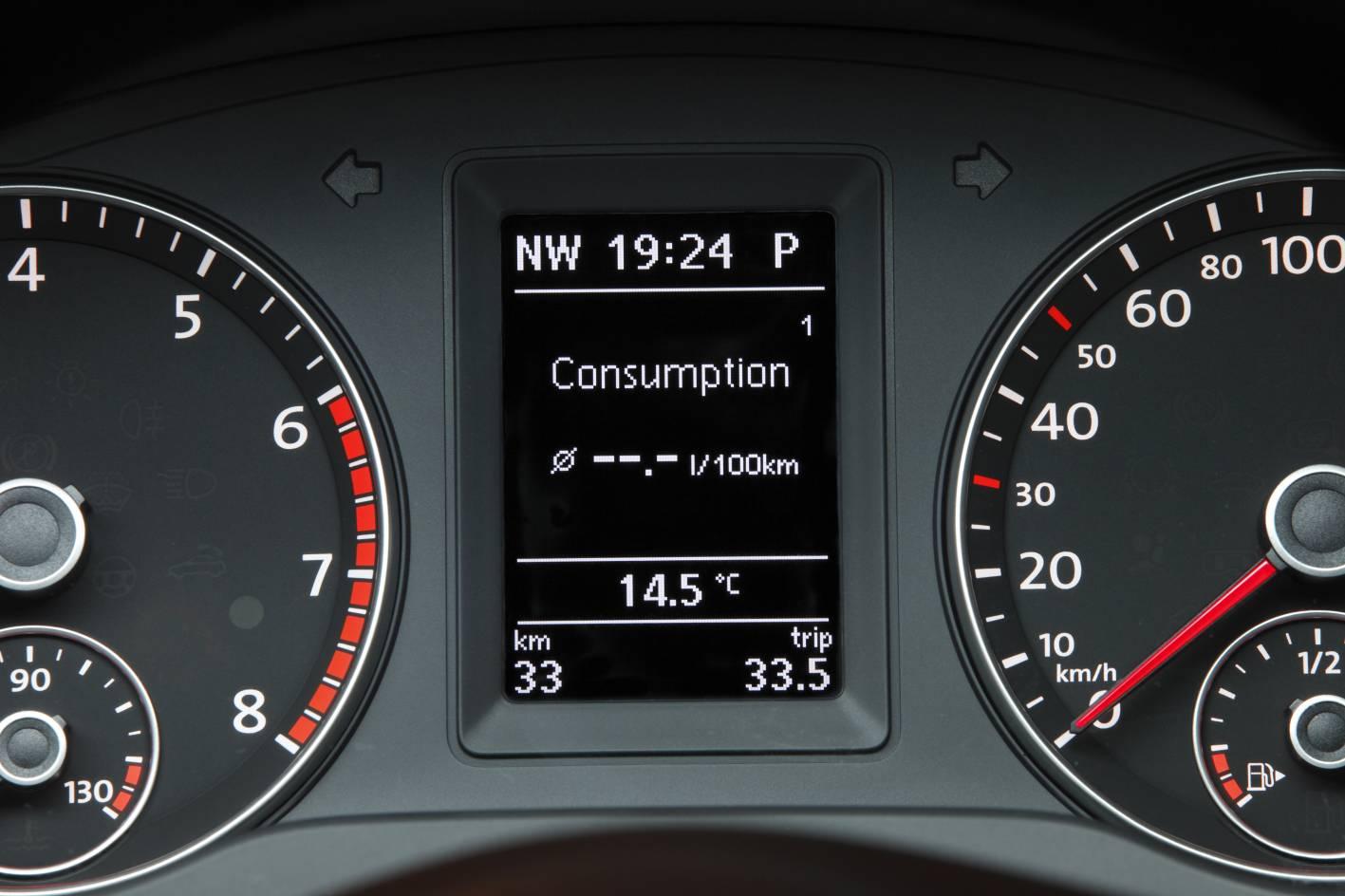 2012_volkswagen_jetta_australia_03_147tsi_highline_09