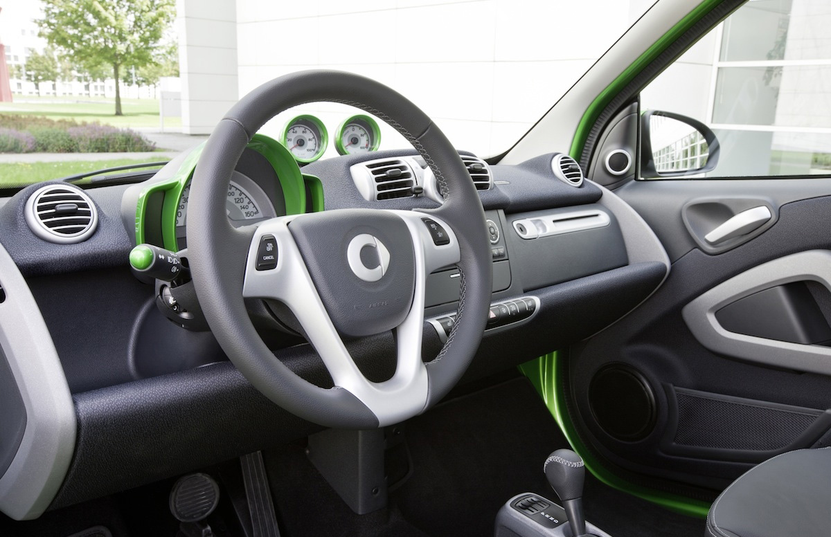 2012_smart_fortwo_electric_drive_03