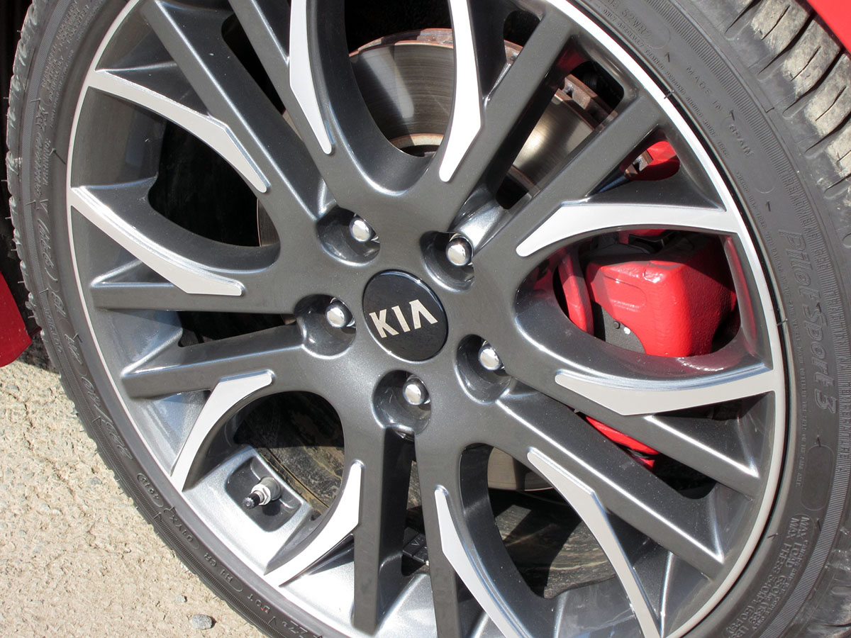 2014_kia_proceed_gt_review_10