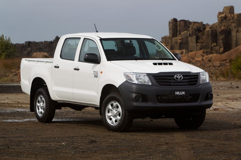 2012_toyota_hilux_02_workmate_01