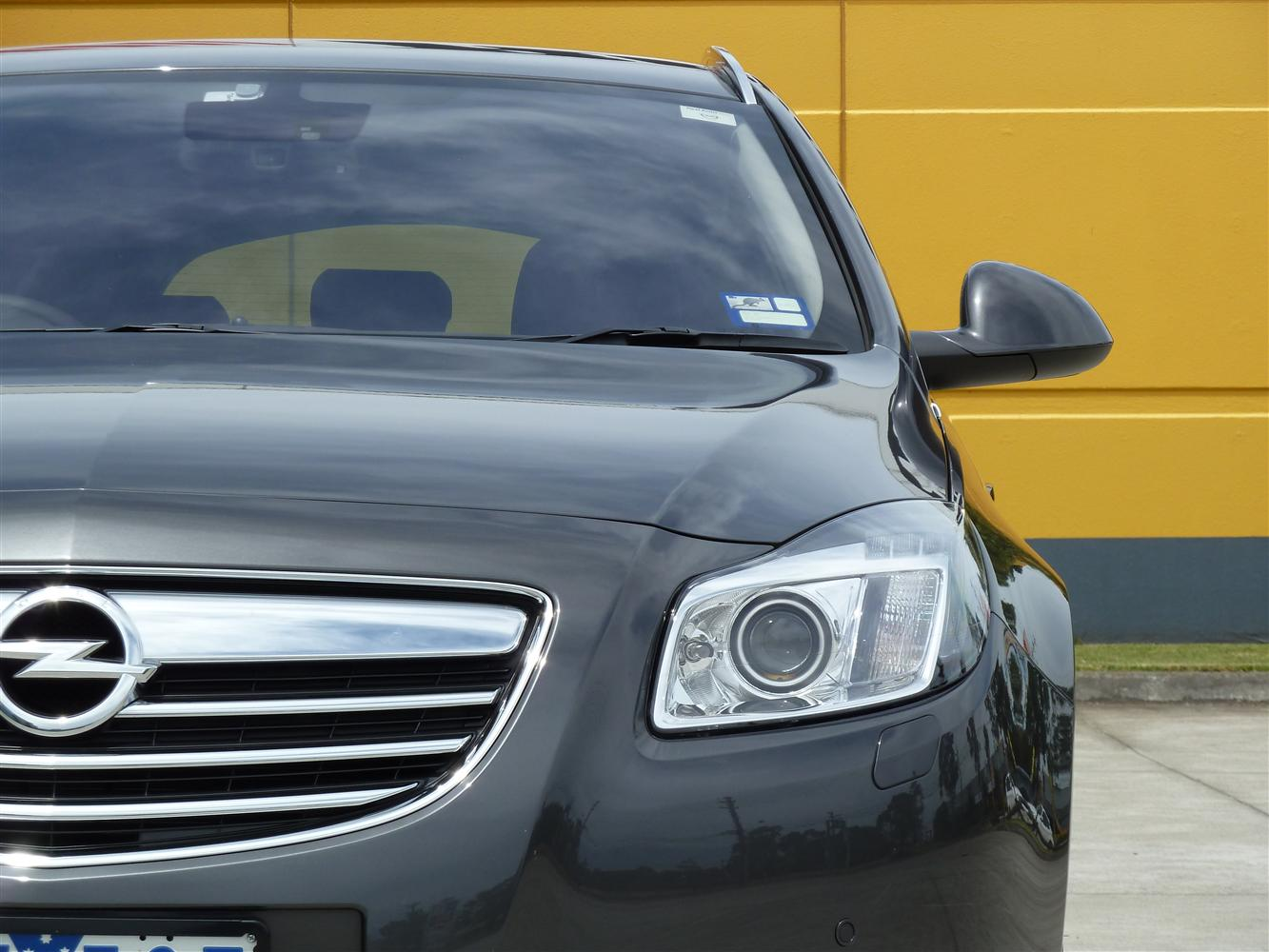 2013_opel_insignia_select_sports_tourer_diesel_review_17
