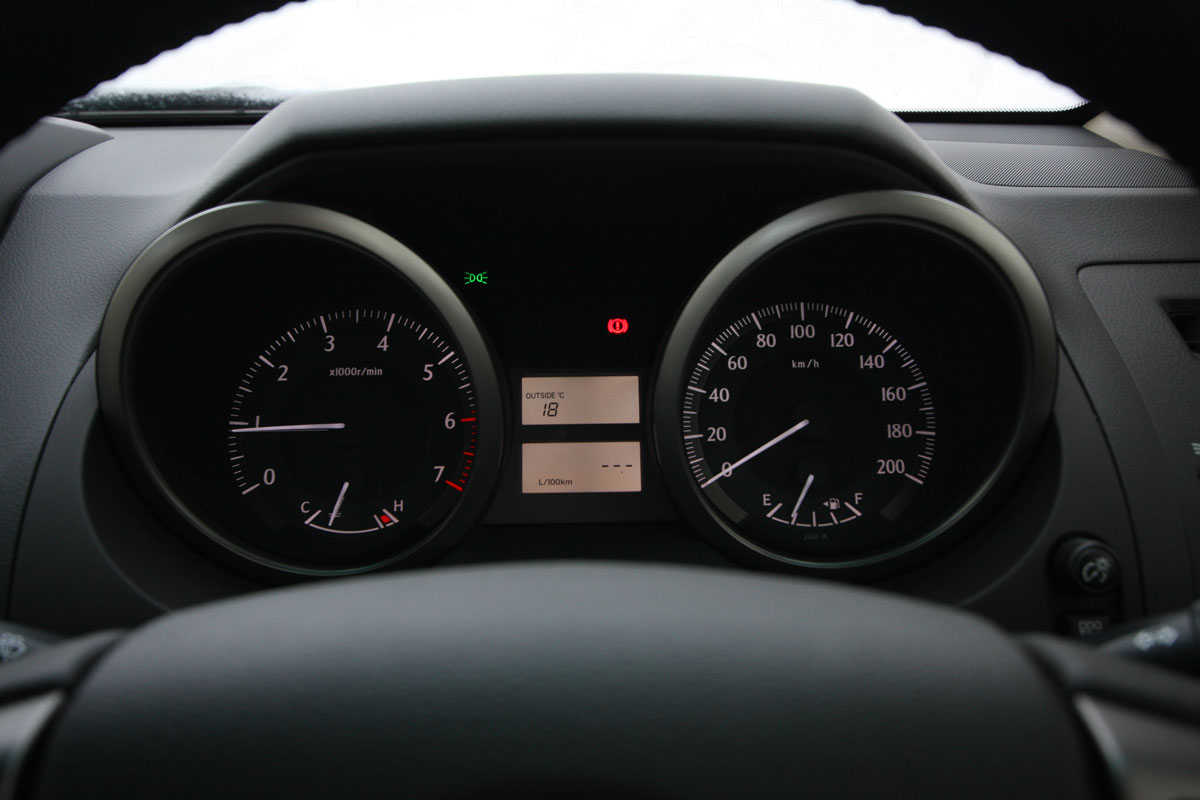 2010_toyota_prado_gxl_roadtest_review_interior_010