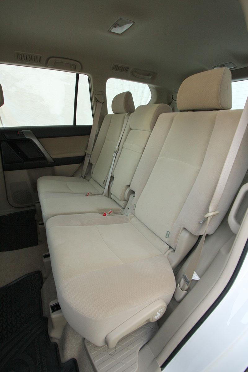 2010_toyota_prado_gxl_roadtest_review_interior_018