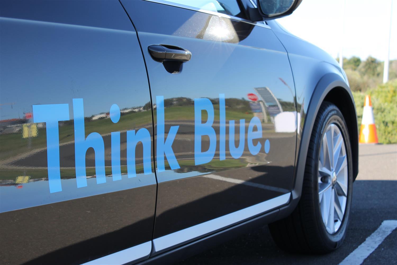 2013_volkswagen_australia_think_blue_challenge_01