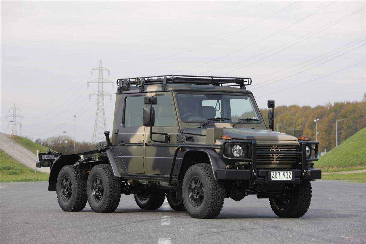 2010_mercedes-benz_g-wagon_australian-defence-force_03.jpg