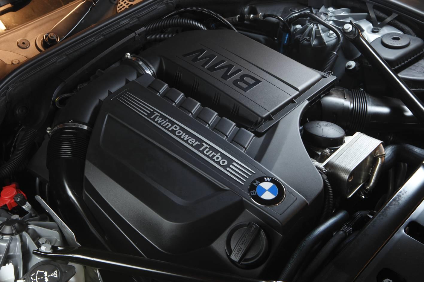2011_bmw_5_series_sedan_08