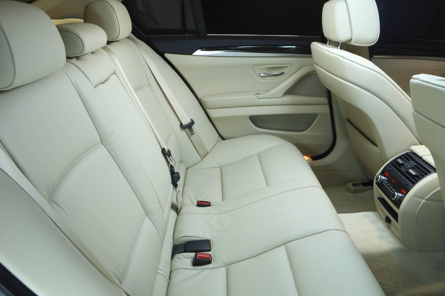 2011_bmw_5_series_sedan_07