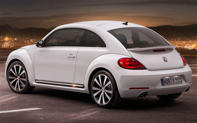 2012_volkswagen_beetle_02