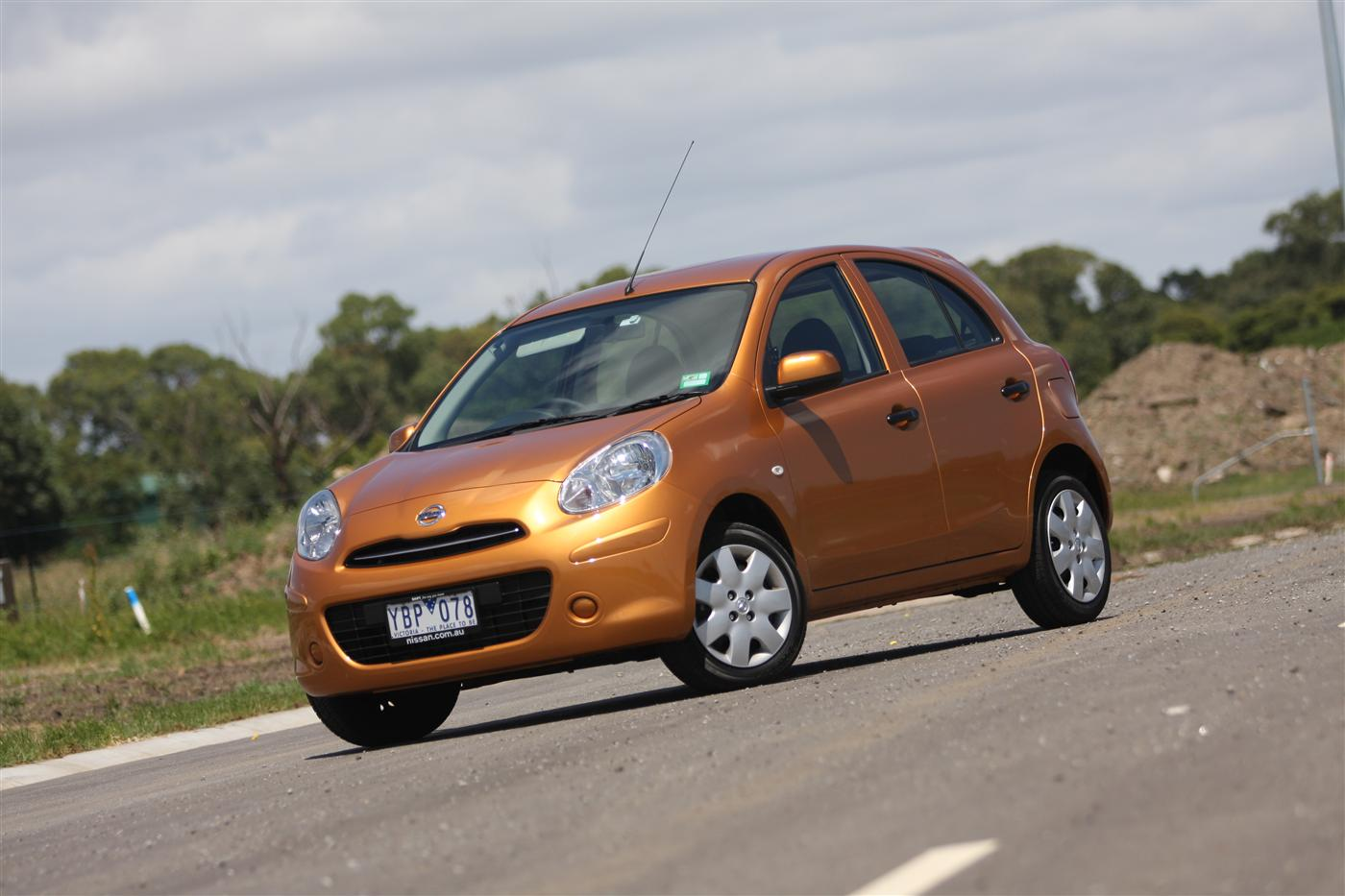 2011_nissan_micra_st_l_roadtest_review_11