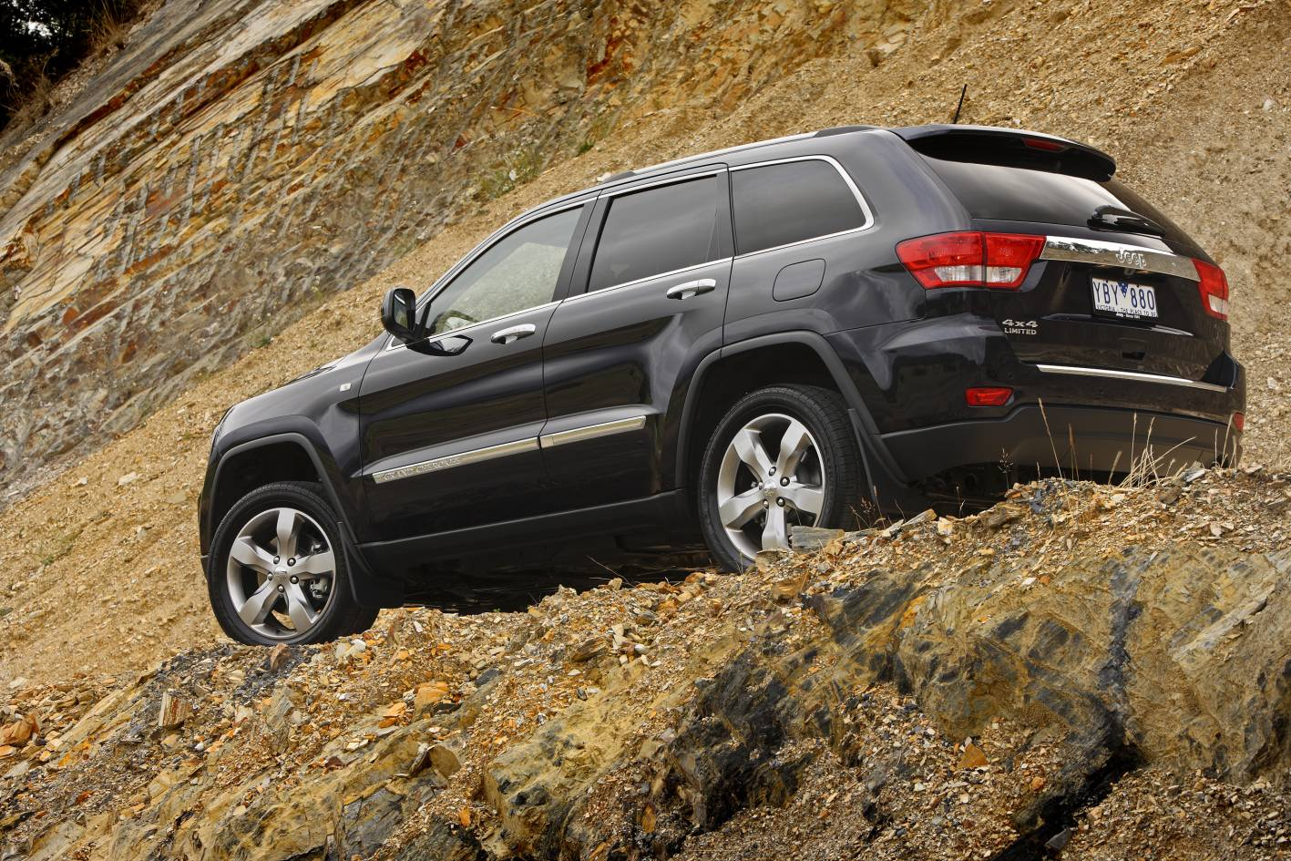 2011_jeep_grand_cherokee_limited_australia_09