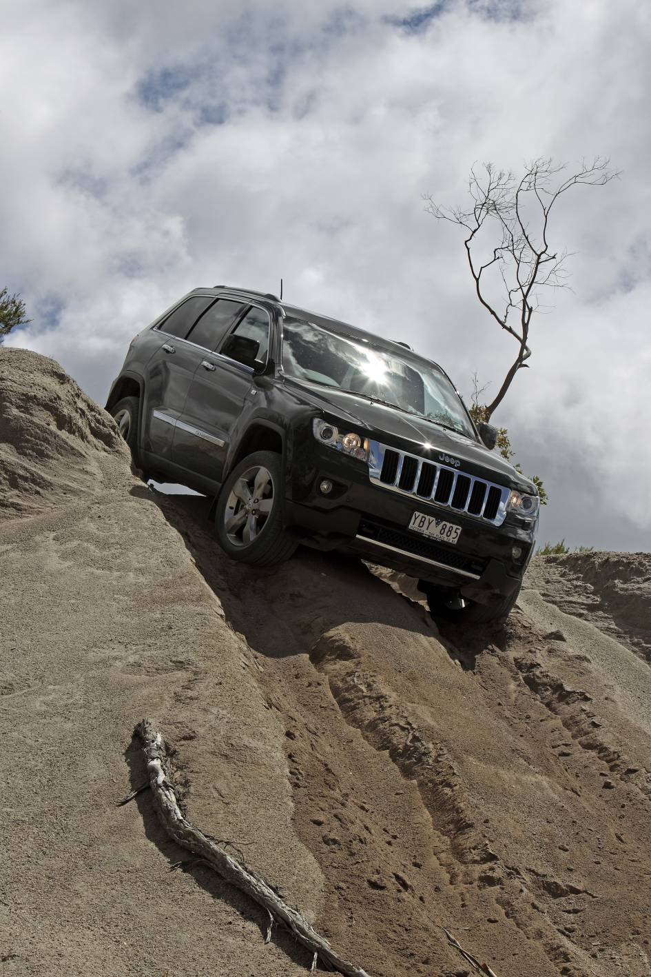 2011_jeep_grand_cherokee_limited_australia_06