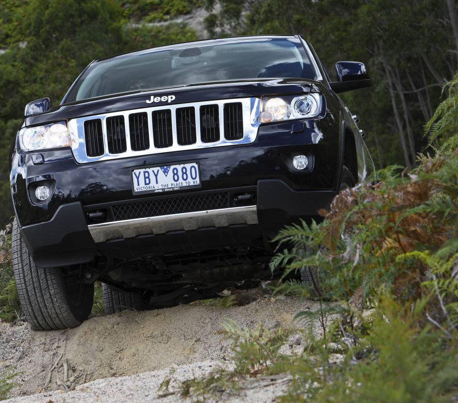 2011_jeep_grand_cherokee_limited_australia_07