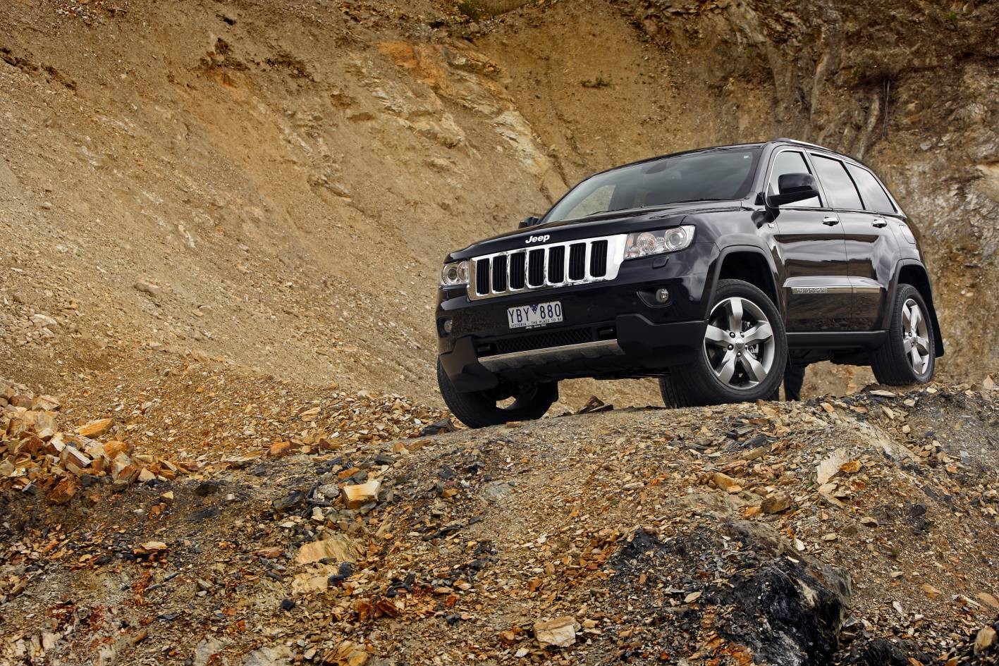 2011_jeep_grand_cherokee_limited_australia_10