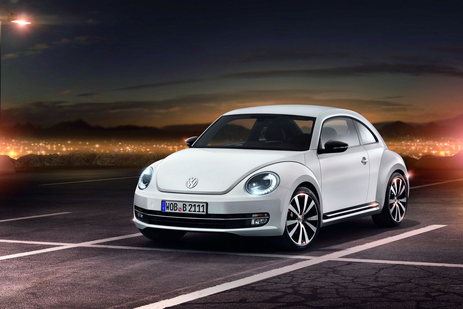 2012_volkswagen_beetle_01