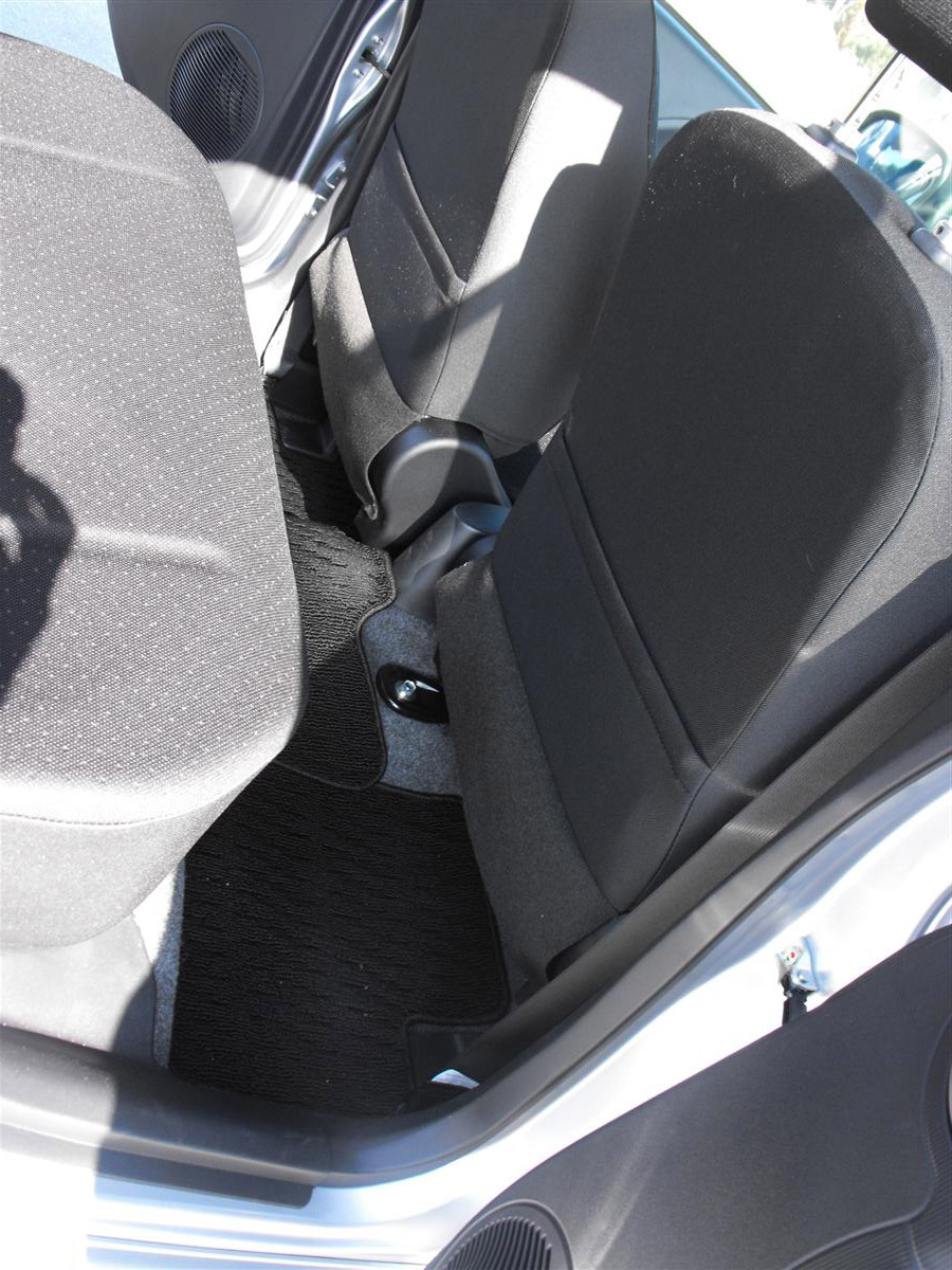 2010_mitsubishi_i_miev_electric_vehicle_first_drive_review_07