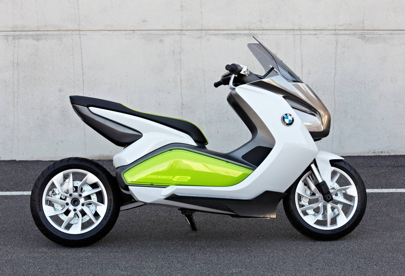 bmw_concept_e_scooter_02
