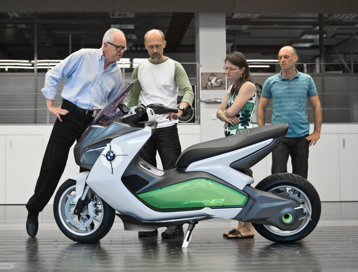 bmw_concept_e_scooter_05