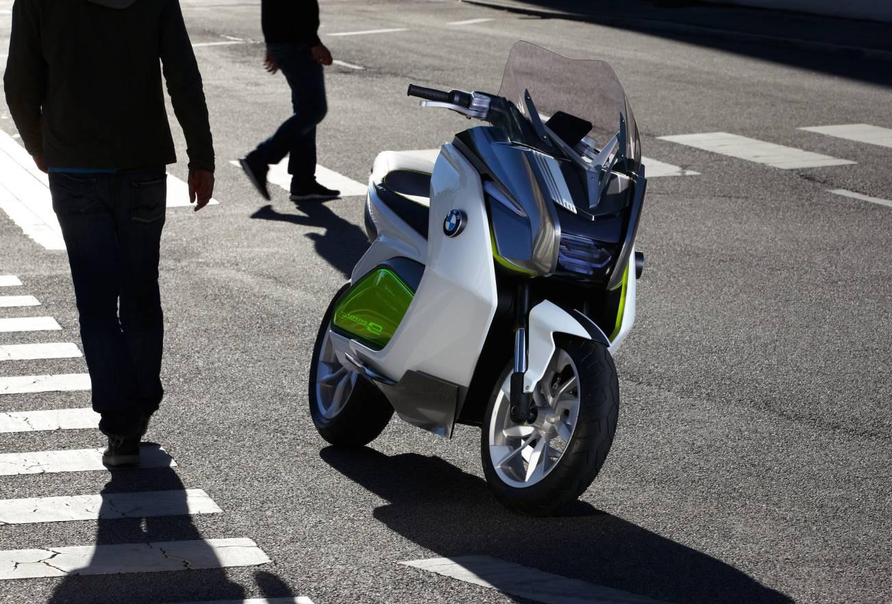 bmw_concept_e_scooter_03