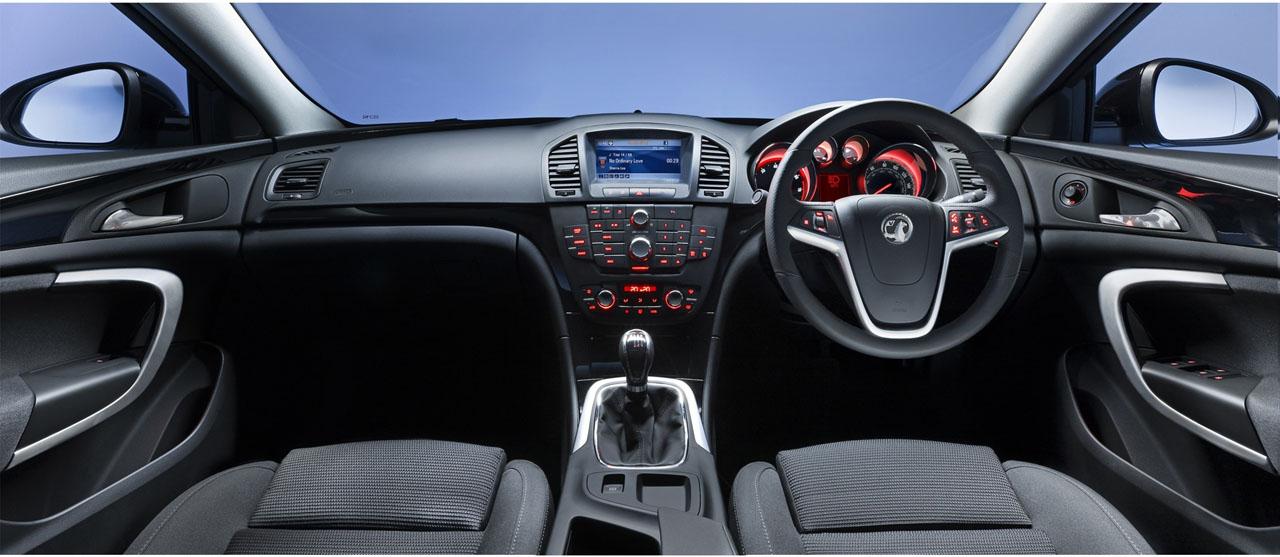 opel-insignia-interior-tmr-2.jpg