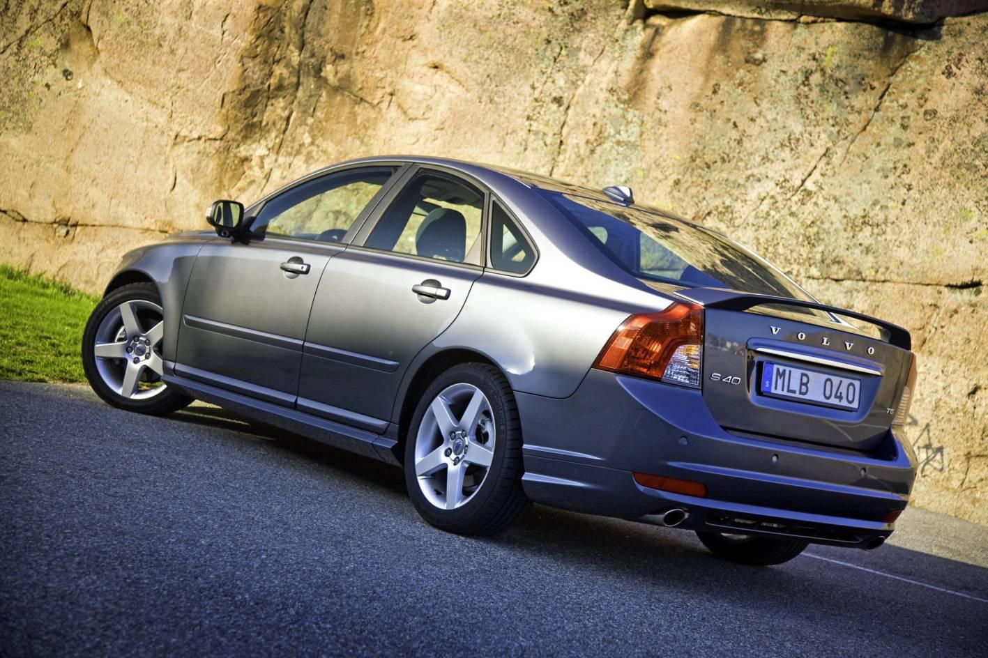 2010_volvo_s40_sedan_csr_03