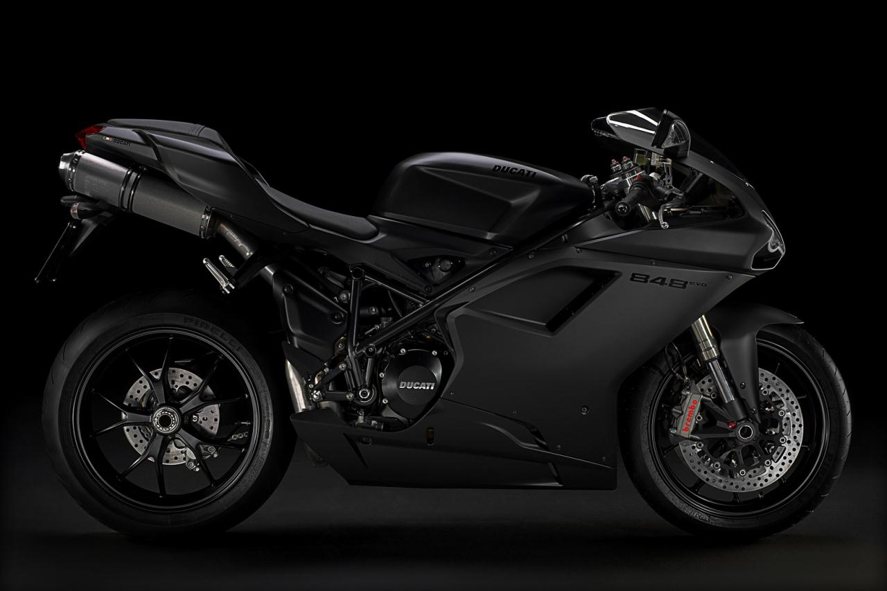 2011_ducati_848evo_superbike_02