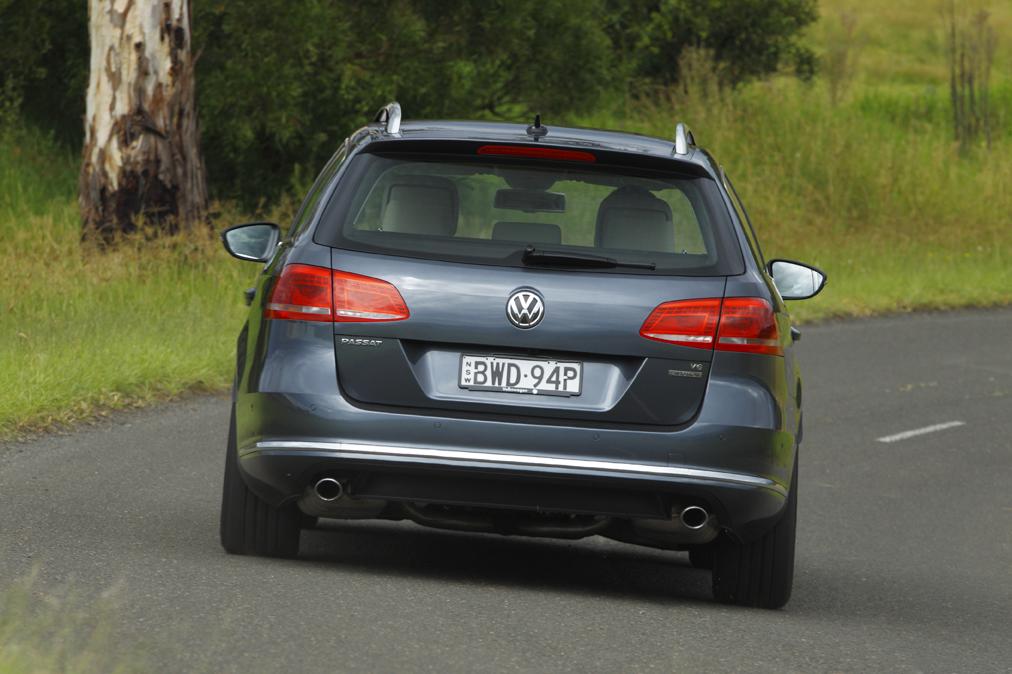 2011_volkswagen_passat_wagon_australia_v6fsi_highline_04