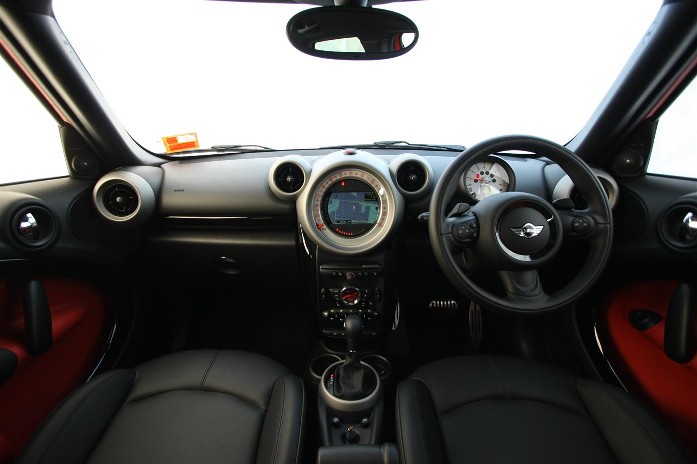 2011_mini_cooper_s_countryman_all4_roadtest_review_46