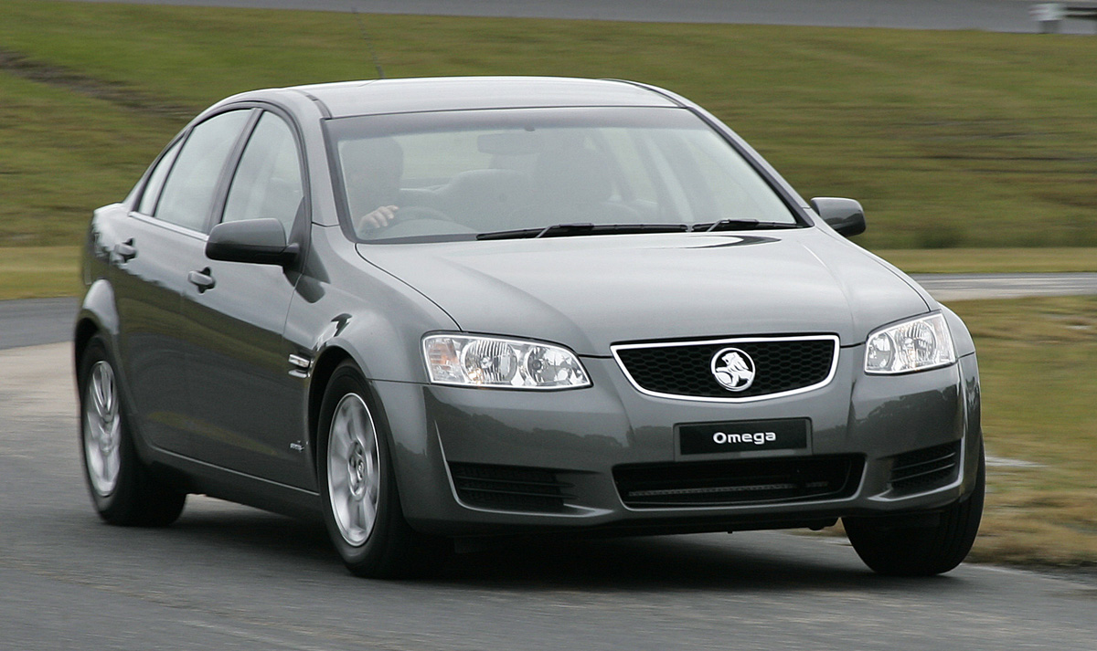 2011_holden_ve_series_ii_2_commodore_15_omega