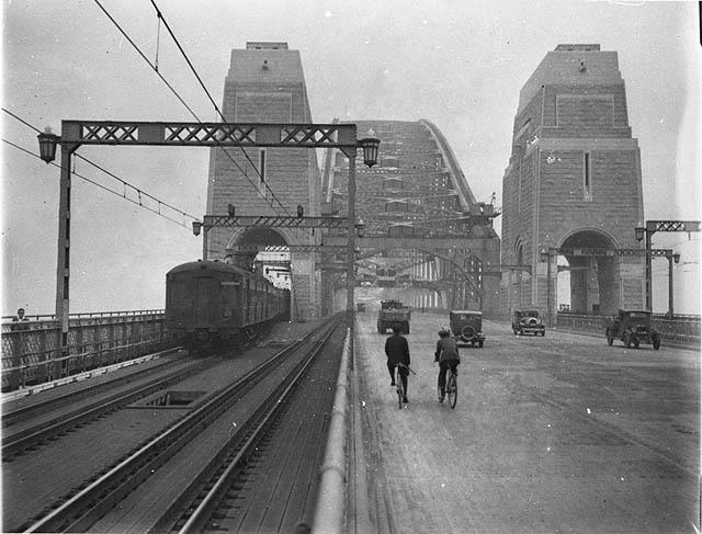 Sydney Harbour Bridge In For Repairs, Delays Expected Through January