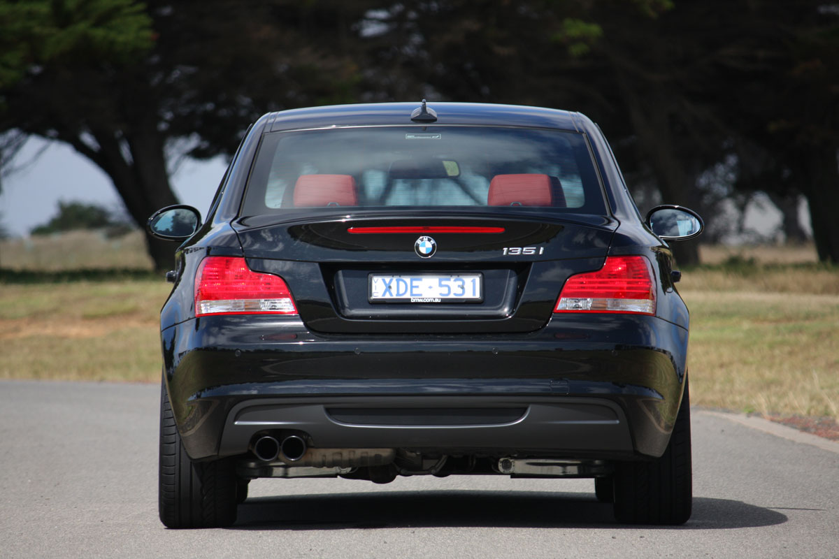 2010_bmw_135i_road_test_review_16