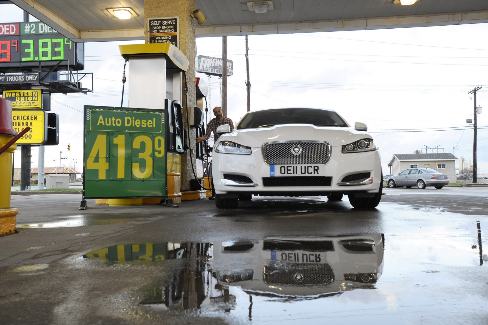Jaguar XF 2.2 Diesel Smashes Fuel Economy Figures On US Road Trip