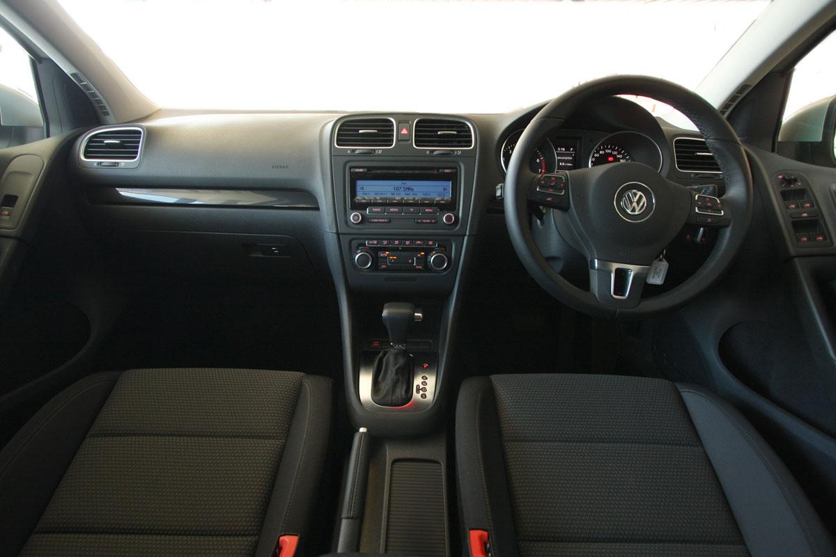 2010_volkswagen_golf_118tsi_comfortline_road-test-review_19.jpg
