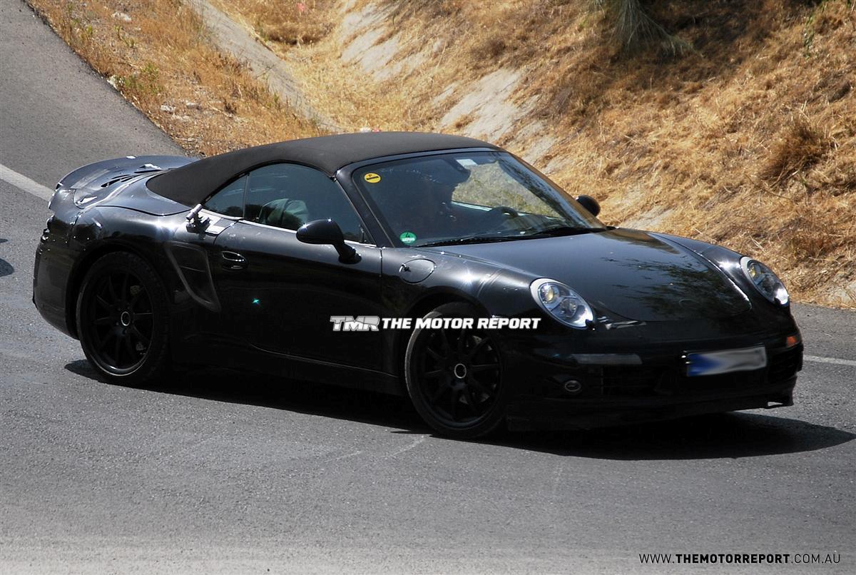 2012_porsche_911_cabriolet_spy-photos_02.jpg