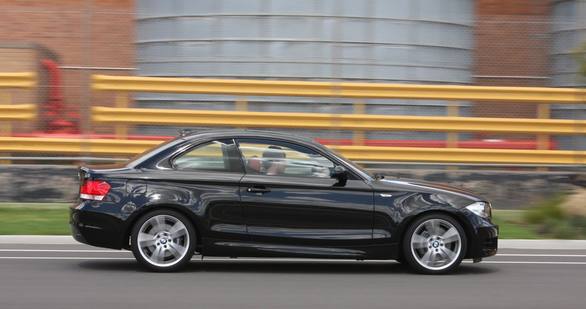 2010_bmw_135i_road_test_review_01