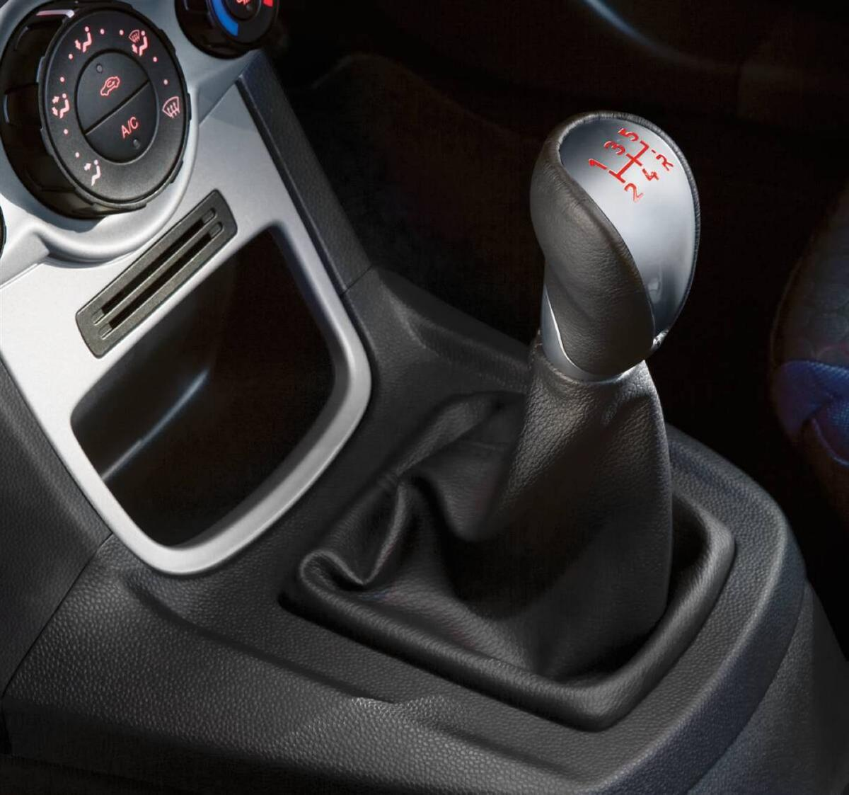 2010_ford_fiesta_econetic_road-test-review_11.jpg