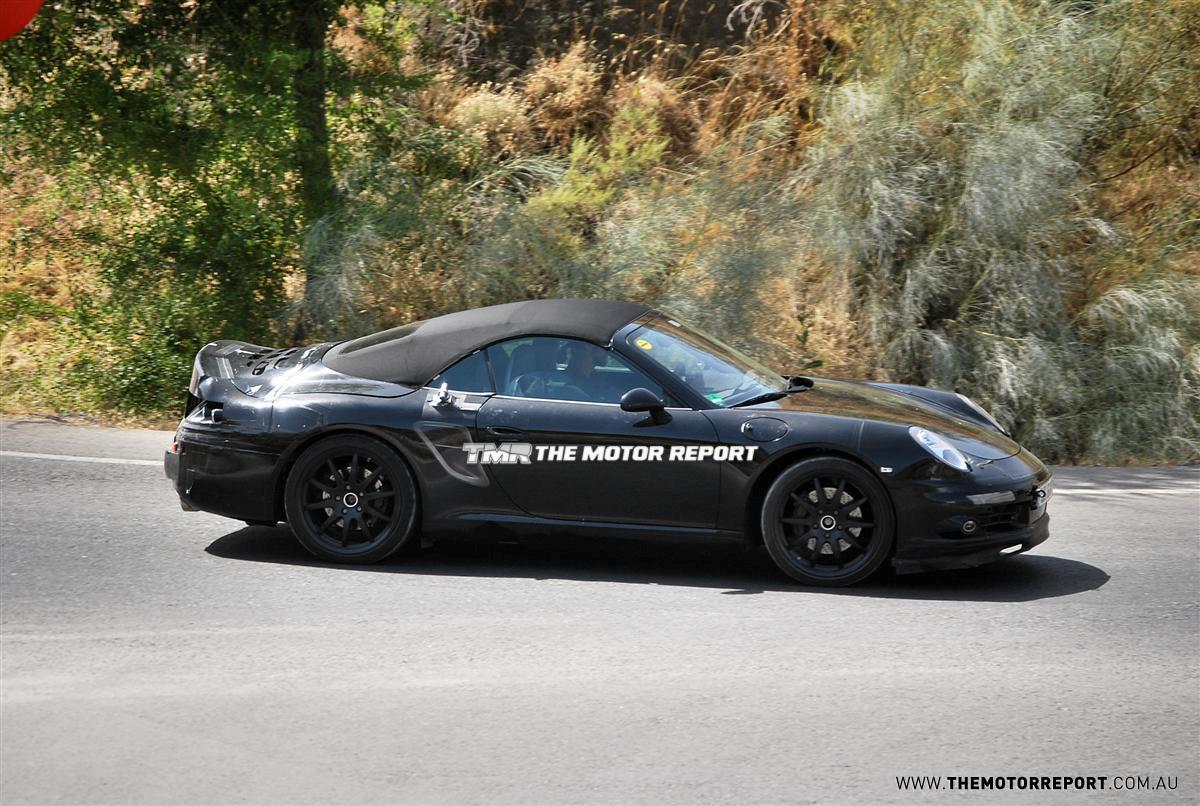 2012_porsche_911_cabriolet_spy-photos_03.jpg