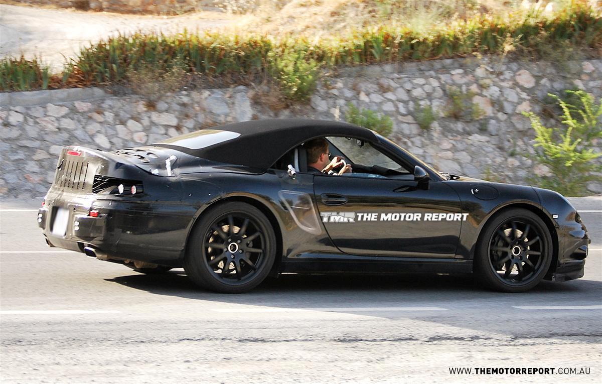 2012_porsche_911_cabriolet_spy-photos_05.jpg