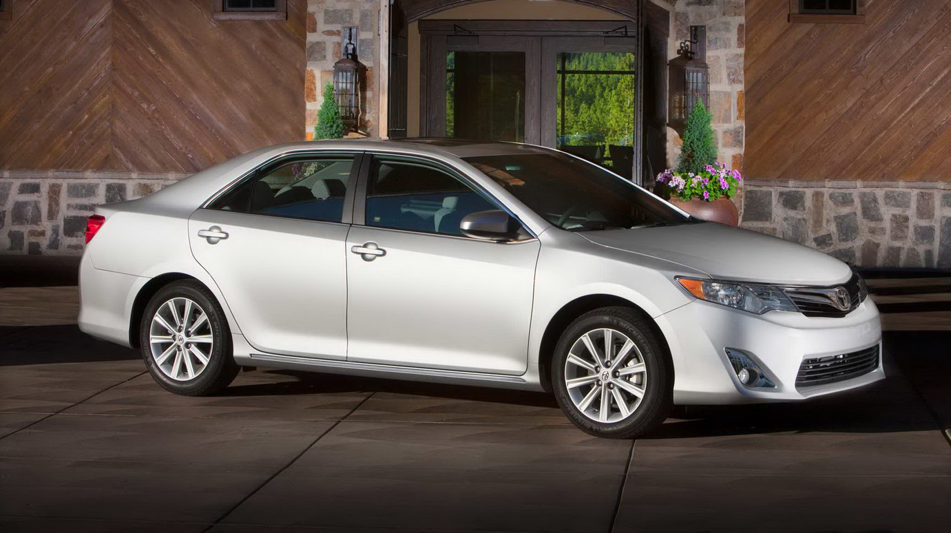 2012_toyota_camry_official_overseas_10