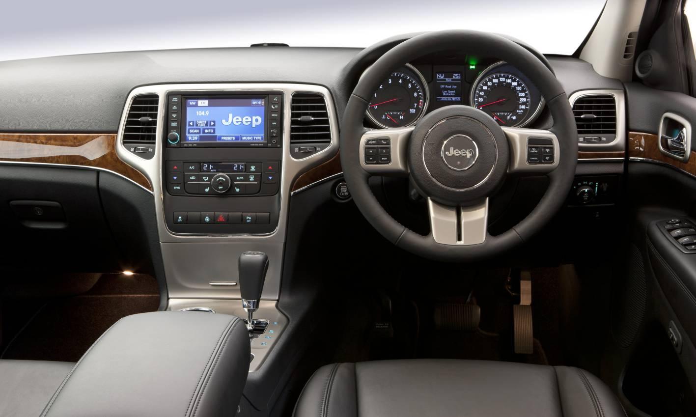 2011_jeep_grand_cherokee_diesel_review_13