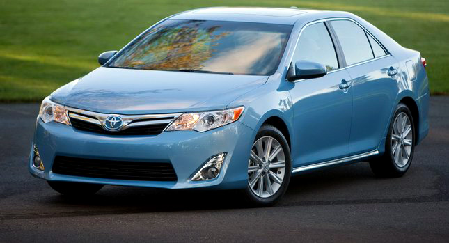 2012_toyota_camry_official_overseas_12a